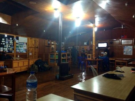 Beer Garden Lodge Phakding common room